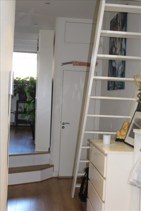 Sale apartment Courbevoie 335 000€ - Picture 3
