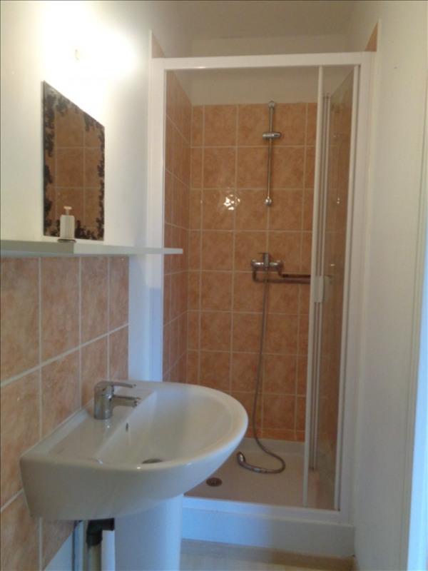 Location appartement Franqueville st pierre 520€ CC - Photo 3