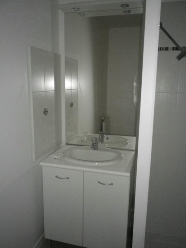Location appartement Sainte luce sur loire 547€ CC - Photo 5