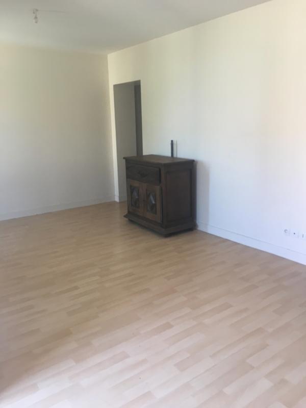 Rental apartment Cavignac 430€ CC - Picture 3