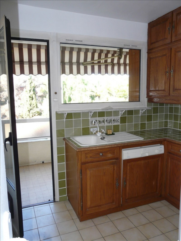 Location appartement La ciotat 990€ CC - Photo 5