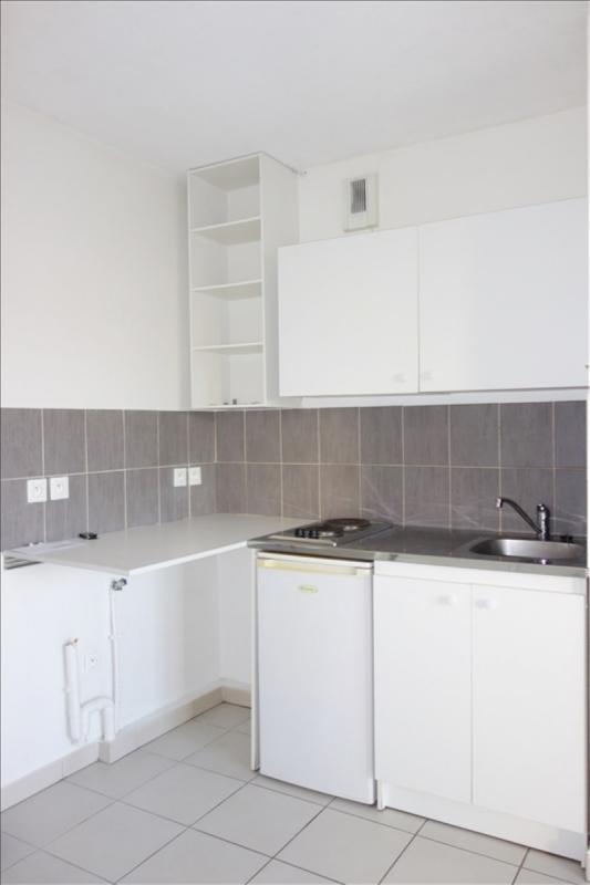 Locação apartamento Seyne sur mer 500€ CC - Fotografia 3