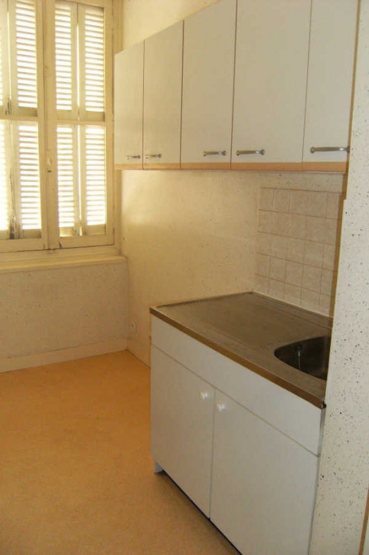 Location appartement Chatellerault 292€ CC - Photo 3