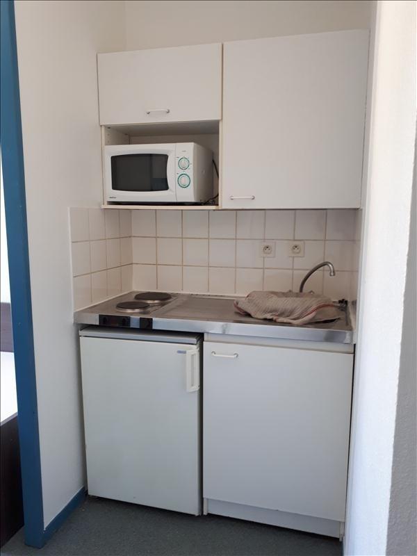 Location appartement Toulon 442€ CC - Photo 2