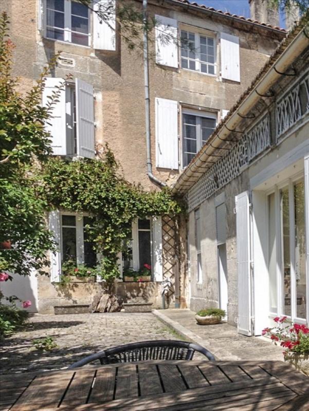 vente maison villa 9 pi ce s angouleme 200 m avec 5 chambres 319 000 euros j 39 habite. Black Bedroom Furniture Sets. Home Design Ideas