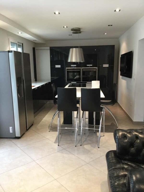Location maison / villa Plaisir 2900€ +CH - Photo 4