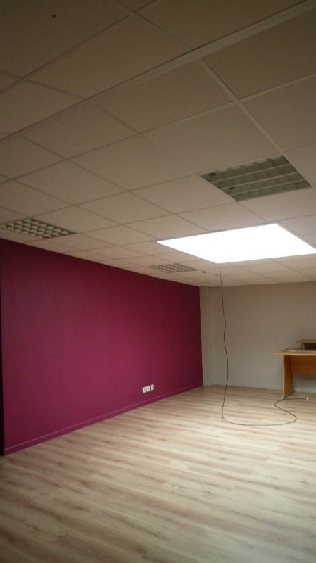 Location bureau Chavanod 615€ +CH/ HT - Photo 11