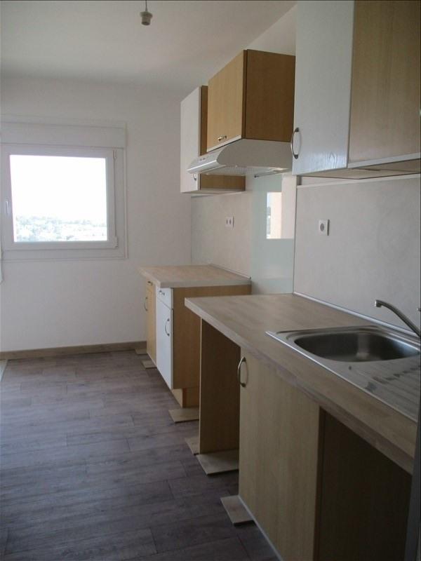 Location appartement Salon de provence 710€ CC - Photo 2