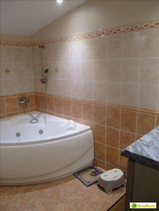 Sale house / villa Chateauneuf sur charente 225000€ - Picture 4