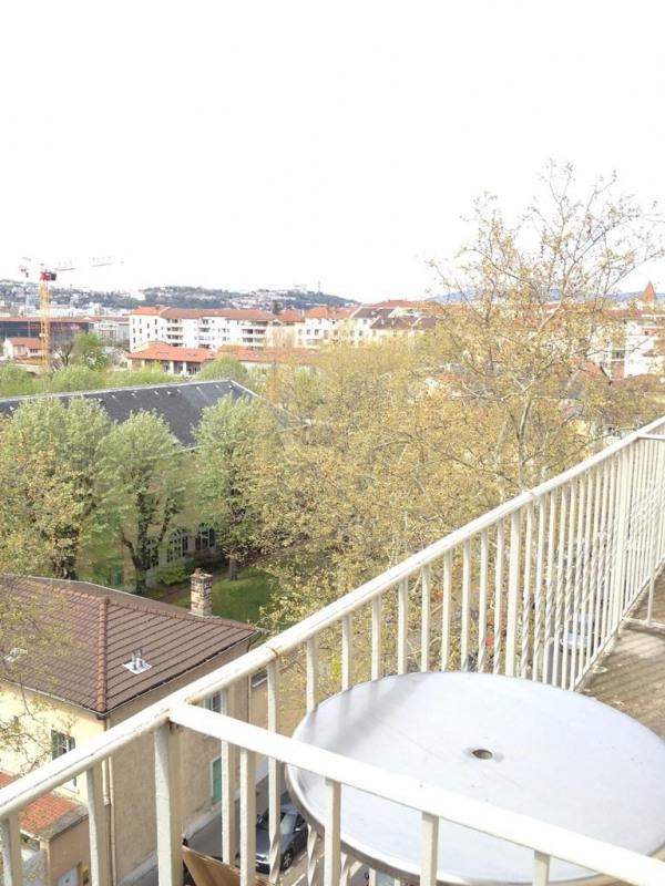 Sale apartment Lyon 8ème 144000€ - Picture 2