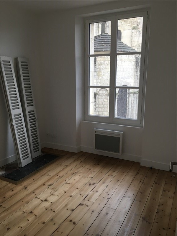 Location appartement Poitiers 430€ CC - Photo 2