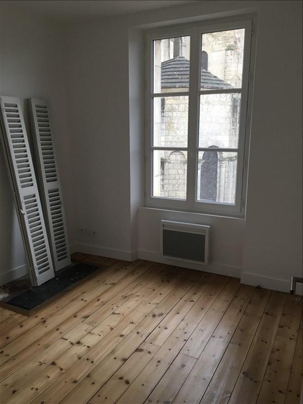 Rental apartment Poitiers 430€ CC - Picture 2