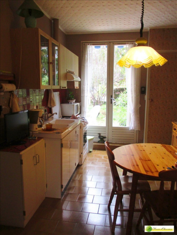 Sale house / villa La couronne 160 000€ - Picture 7