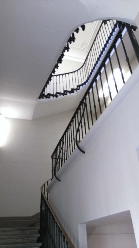 Verkoop  werkplaats Avignon intra muros 252000€ - Foto 9