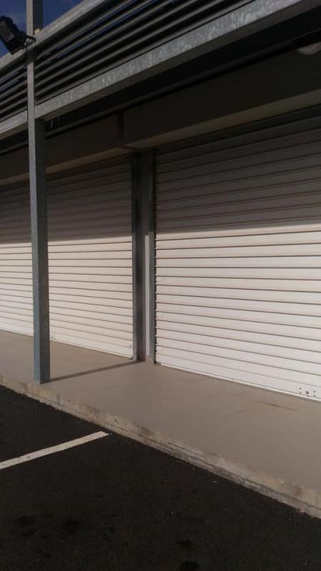 Rental empty room/storage Basse terre 1500€ CC - Picture 9