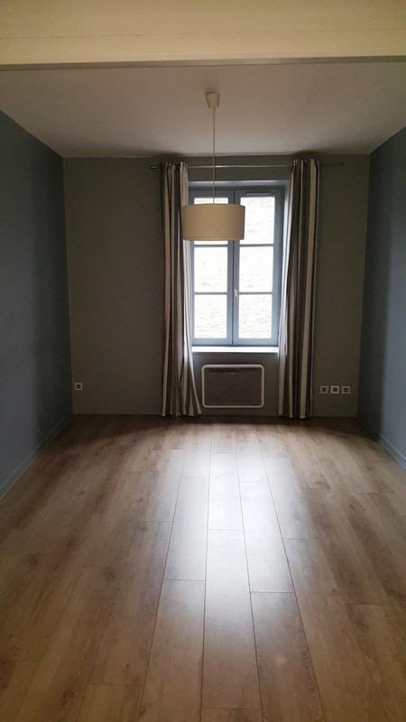 Location appartement Grezieu la varenne 436€ CC - Photo 2