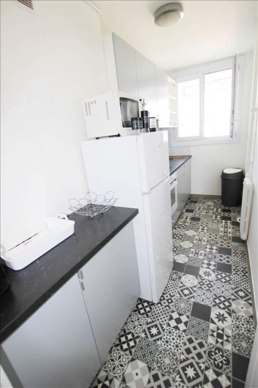 Location appartement Paris 18ème 1100€ CC - Photo 5
