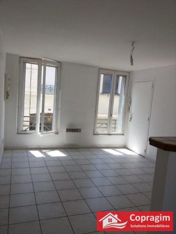 Rental apartment Montereau fault yonne 400€ CC - Picture 1