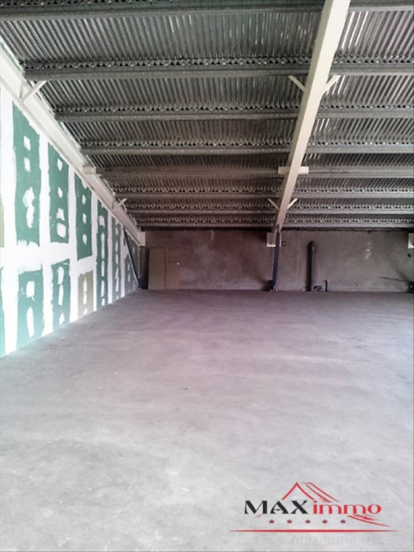 Location local commercial St pierre 2213€ HT/HC - Photo 2
