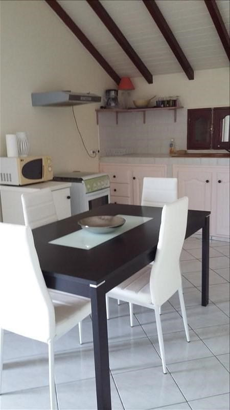 Rental apartment Ste anne 850€ CC - Picture 3