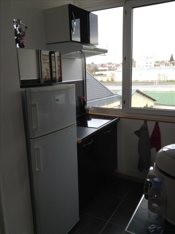 Rental apartment St quentin 540€ CC - Picture 2