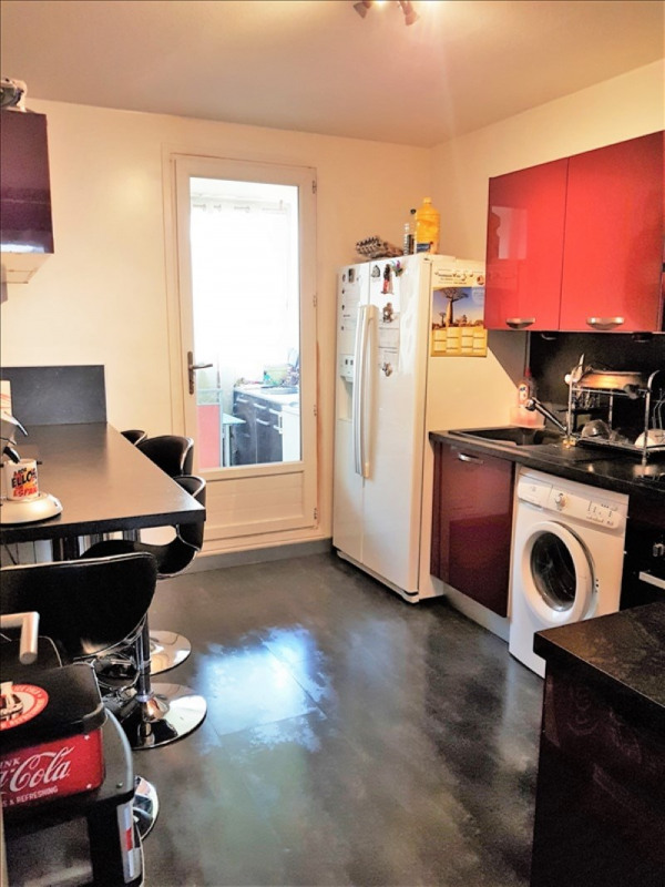 Sale apartment Aubagne 179000€ - Picture 3