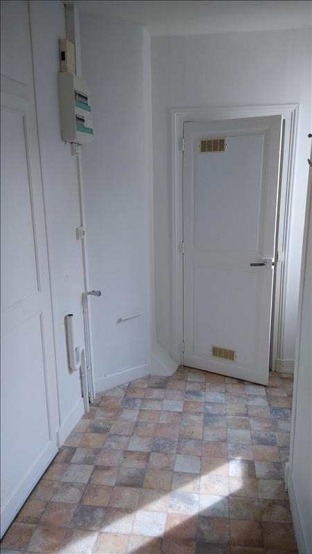 Rental apartment Vendome 290€ CC - Picture 5