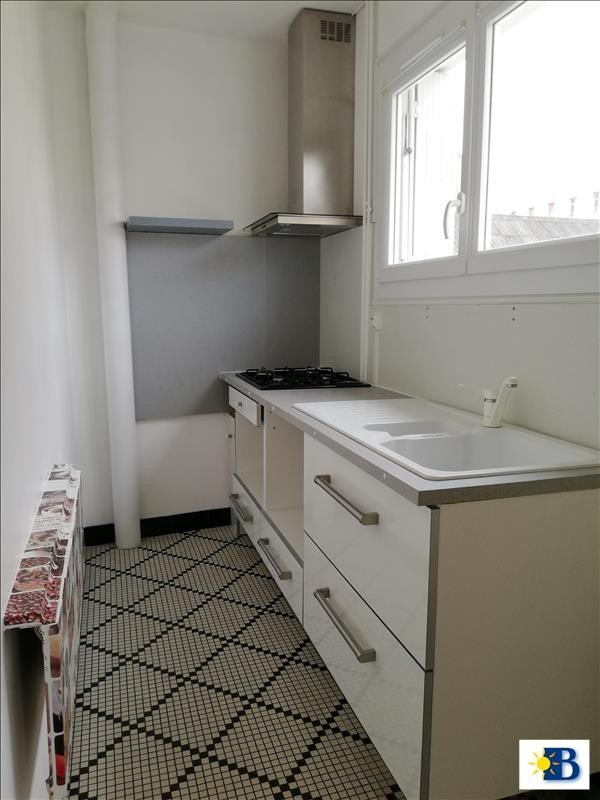 Location maison / villa Chatellerault 480€ CC - Photo 2
