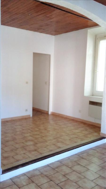 Rental apartment La ciotat 660€ CC - Picture 4