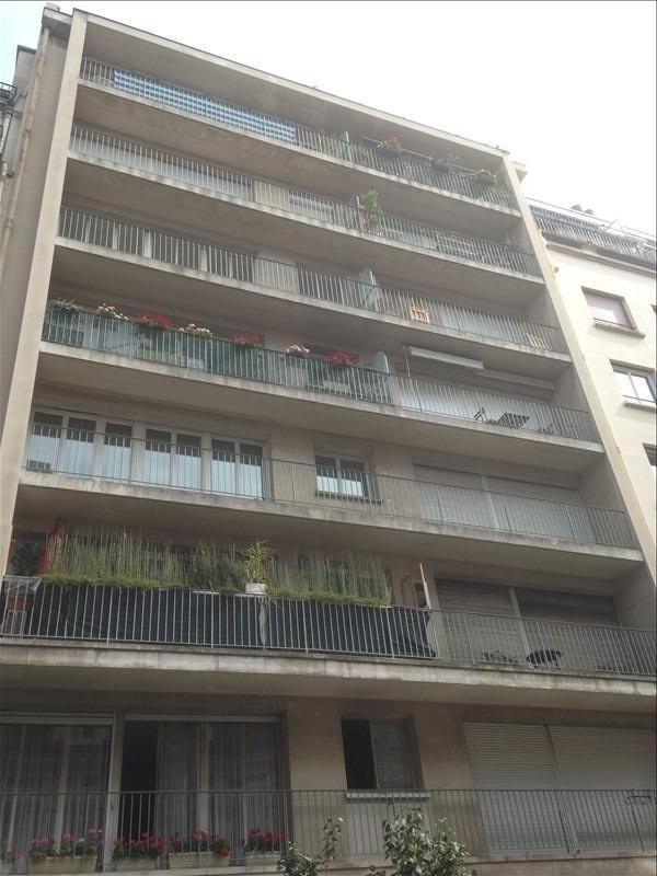 Location appartement Paris 16ème 990€ CC - Photo 1