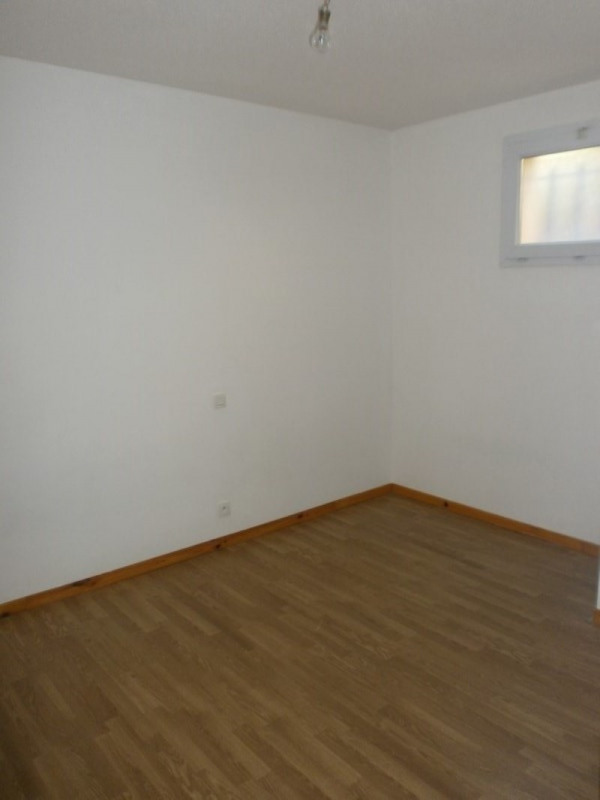 Location appartement Rodez 383€ CC - Photo 4