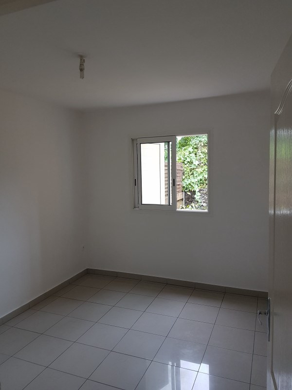 Rental apartment Le tampon 555€ CC - Picture 3