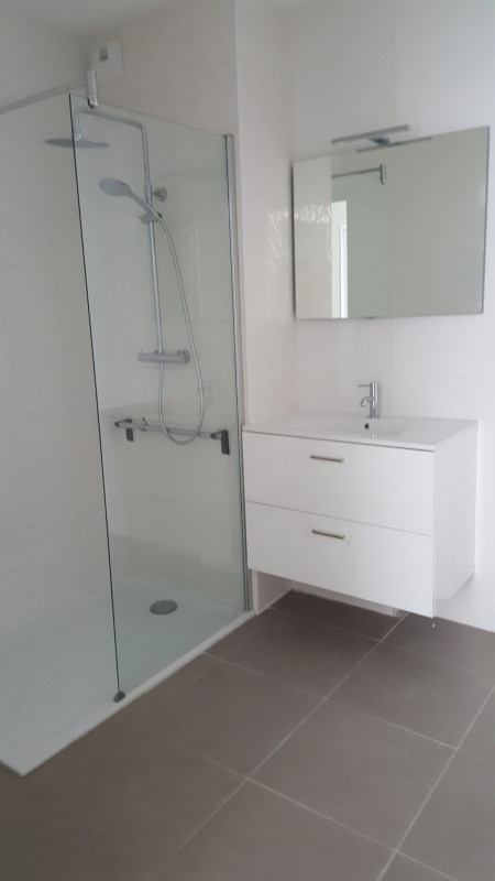 Location appartement Fréjus 915€ CC - Photo 7