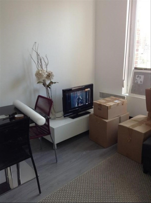 Rental apartment St quentin 430€ CC - Picture 3