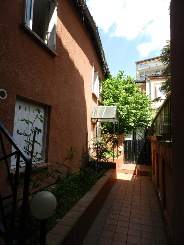 Rental apartment Toulouse 388€ CC - Picture 2