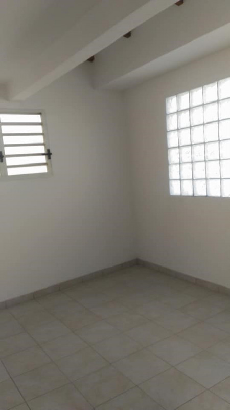 Rental office Basse terre 1 106€ CC - Picture 9