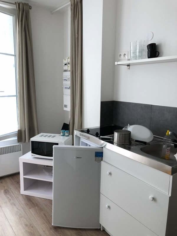 Location appartement Paris 7ème 900€ CC - Photo 2