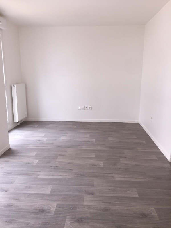 Location appartement Carrieres sous poissy 600€ CC - Photo 1