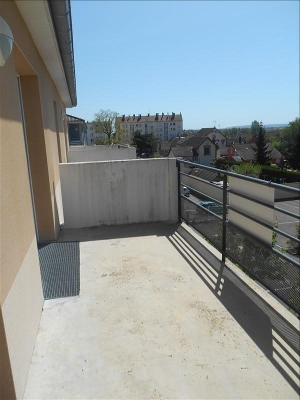 Rental apartment Sainte savine 620€ CC - Picture 3