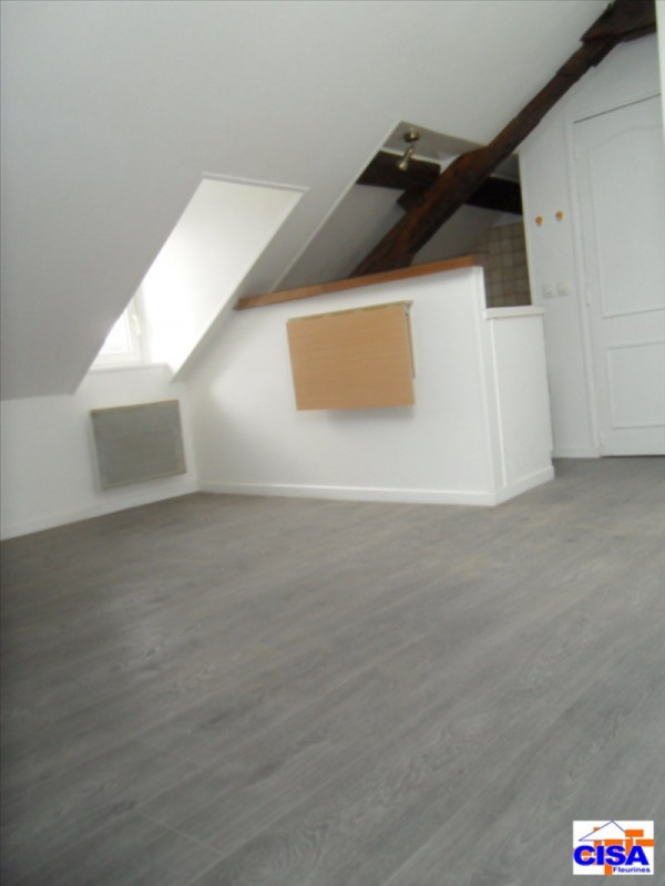 Rental apartment Pont ste maxence 365€ CC - Picture 2