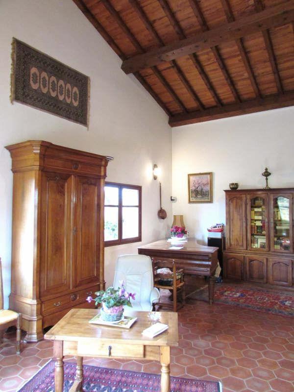 Deluxe sale house / villa Salon de provence 680000€ - Picture 2