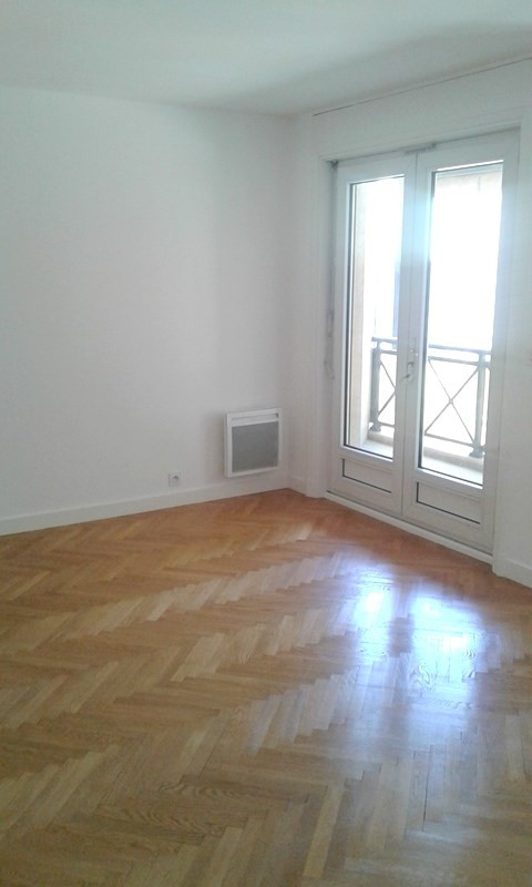 Rental apartment Lyon 3ème 1 402€ CC - Picture 2