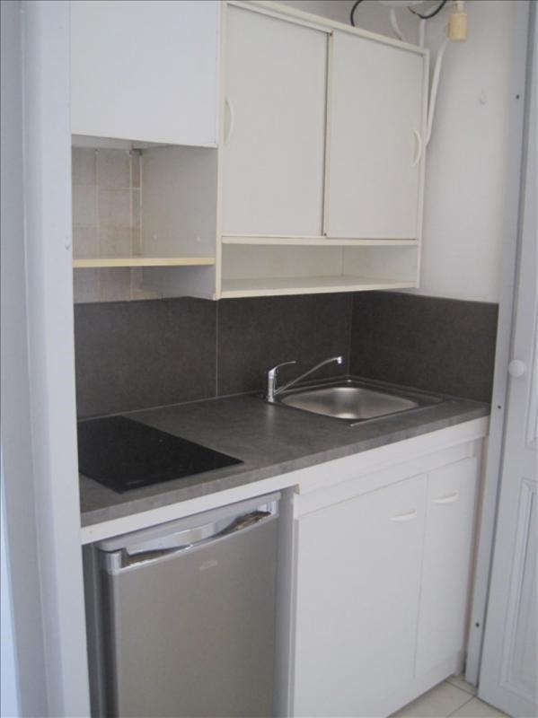 Alquiler  apartamento Le thor 380€ CC - Fotografía 2