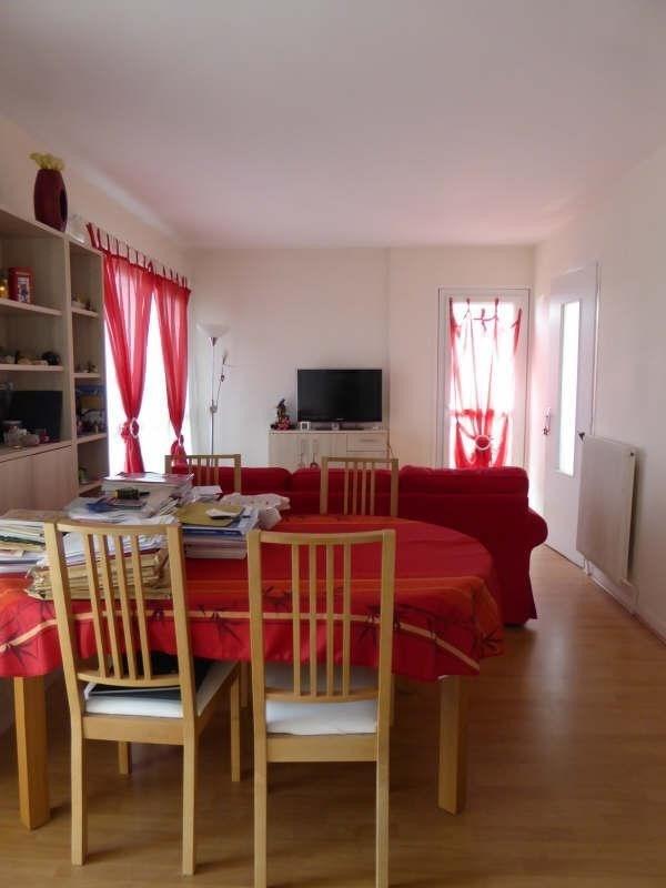 Rental apartment Maurepas 748€ CC - Picture 2
