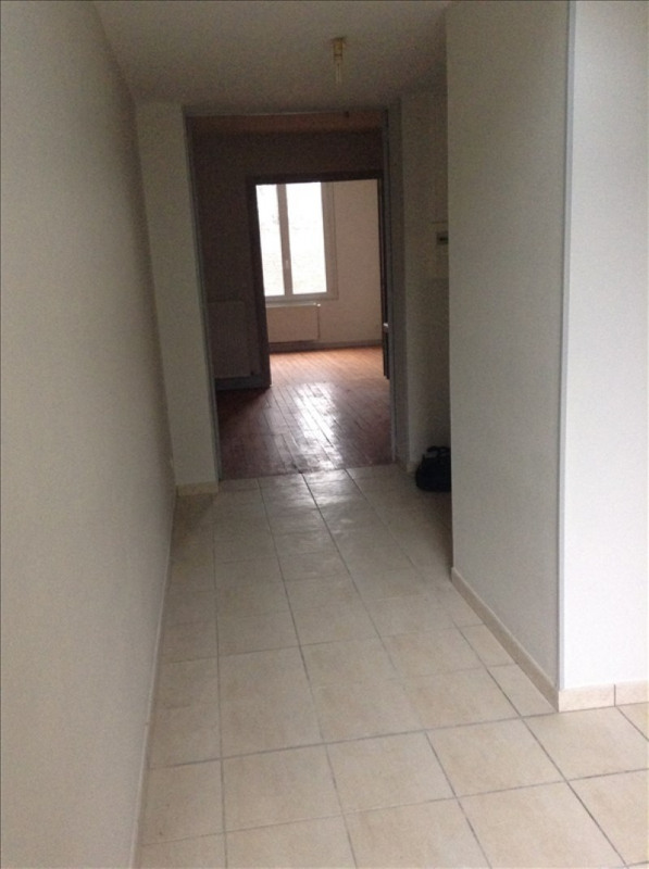 Rental apartment St quentin 550€ CC - Picture 4