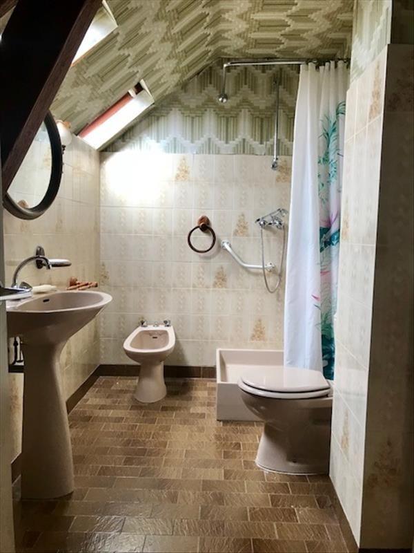 Sale house / villa Bullion 329000€ - Picture 7