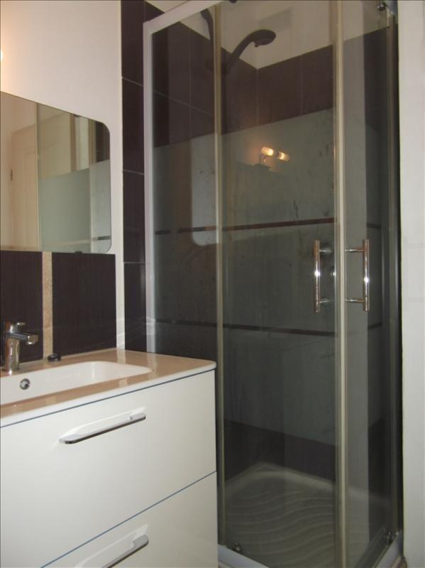 Location appartement Yenne centre 350€ CC - Photo 5