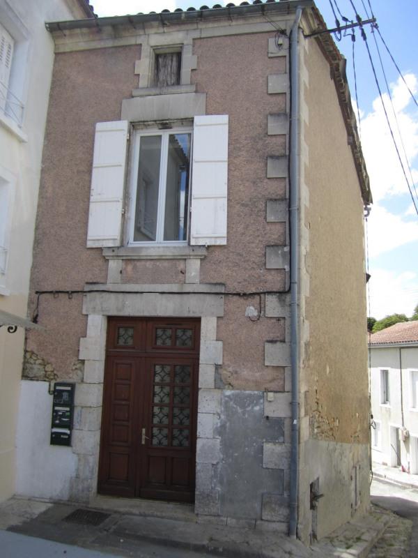 Location appartement Barbezieux-saint-hilaire 330€ CC - Photo 1