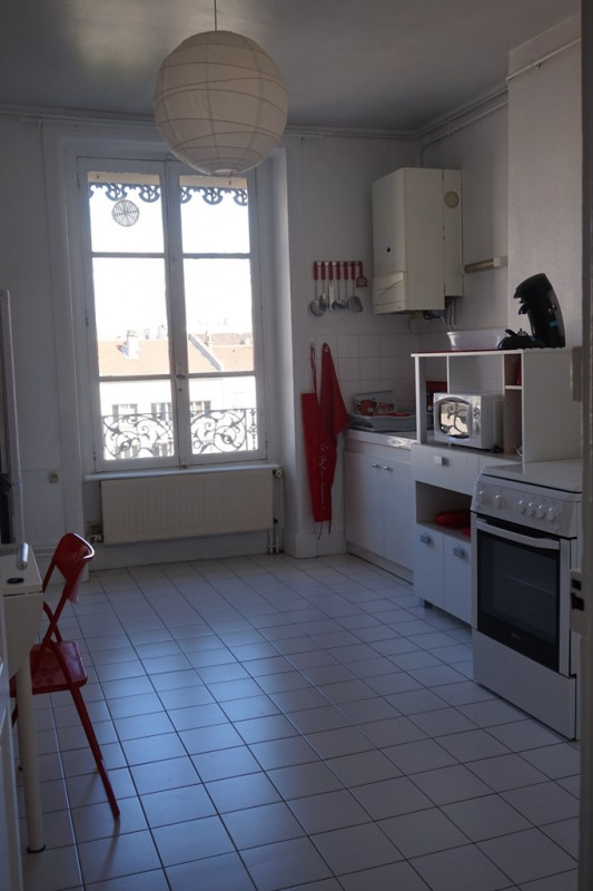 Location appartement Lyon 6ème 875€ CC - Photo 5