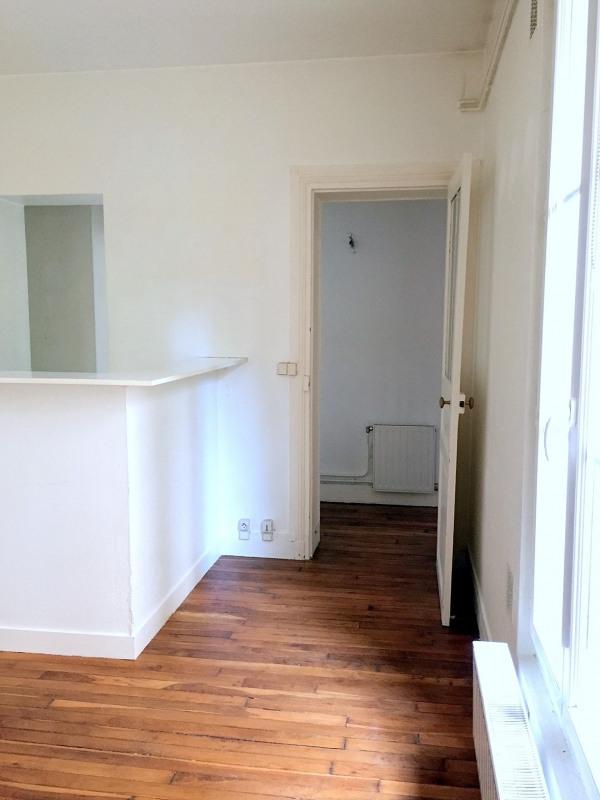 Location appartement Paris 15ème 947€ CC - Photo 6